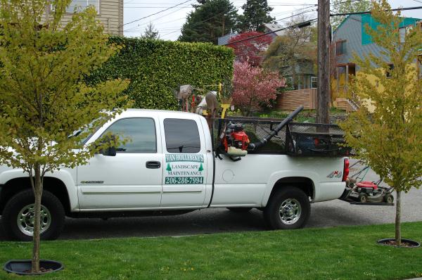 Van hollebeke 39 s landscape maintenance for Garden maintenance van